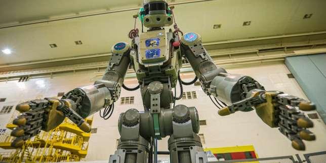 La fusée Soyouz, qui transporte le robot humanoïde russe Fedor, échoue à s'arrimer à l'ISS